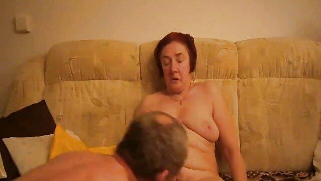 مشت اول با روانکاری سنگین واژن و فتق مقعد در اولین خفن ترین سکس های جهان تلاش