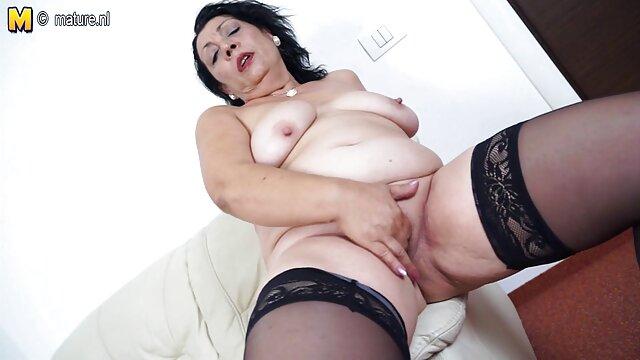 کیتی رز داغ استمناء می فیلم خفن سکسی کند